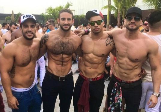 10 LGBT e divas pop comemoram réveillon 2017 pelo Instagram - DJ Eliad Cohen
