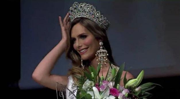 Miss Espanha: transexual Angela Ponce vence e disputará Miss Universo