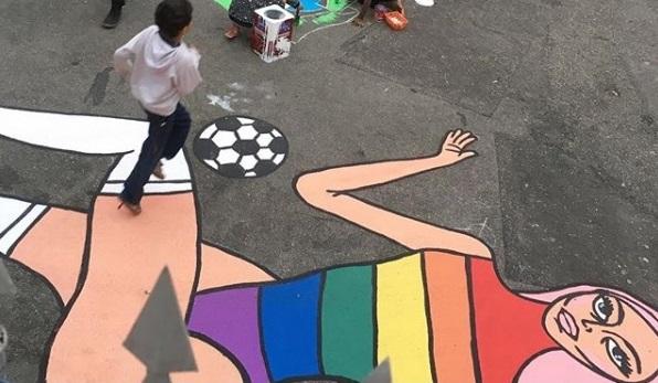 Pabllo Vittar: pintura da drag queen ilustra rua da Casa 1