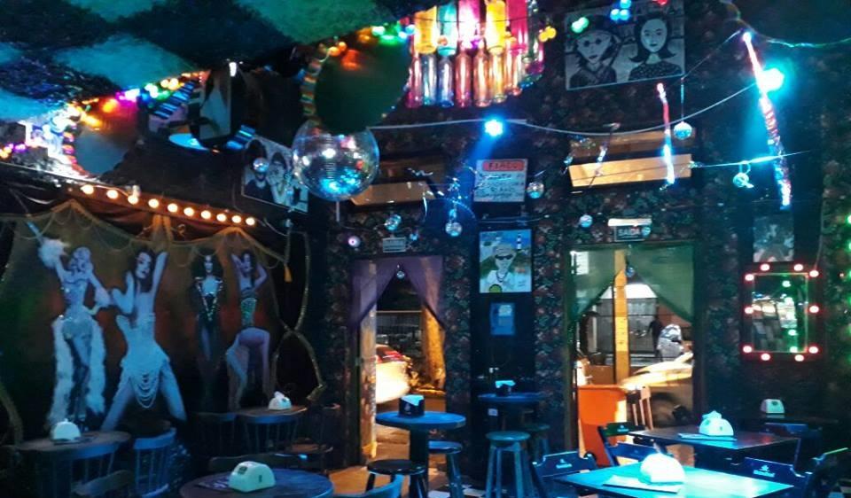 Conchittas Bar: endereço LGBT tradicional do Recife