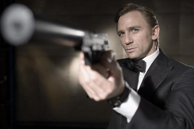 Maioria das pessoas prefere que James Bond seja mulher do que gay, diz pesquisa