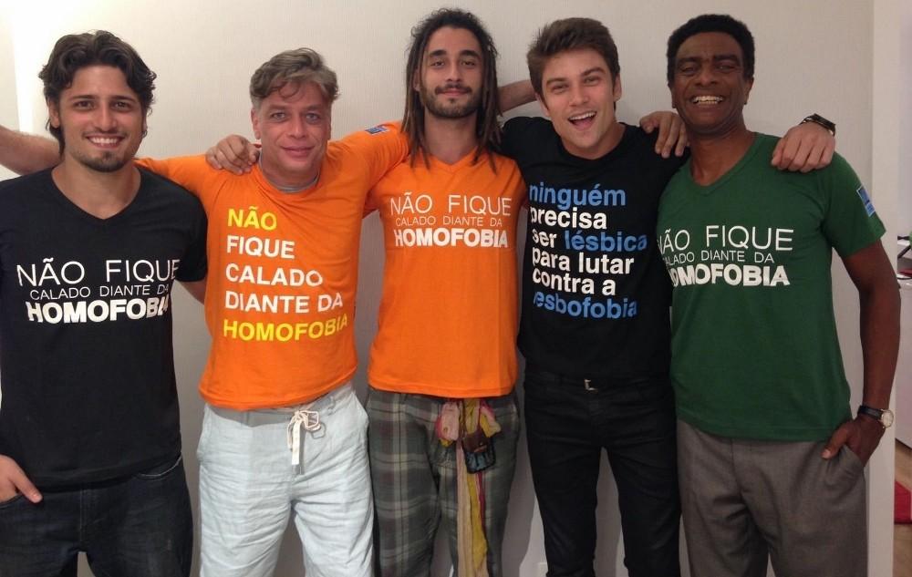 Elenco de Totalmente Demais faz campanha contra a homofobia