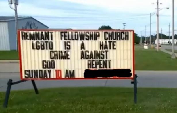 Igreja posta mensagem homofóbica nos EUA e é despejada
