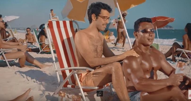 Itaipava edita cena gay de novo comercial