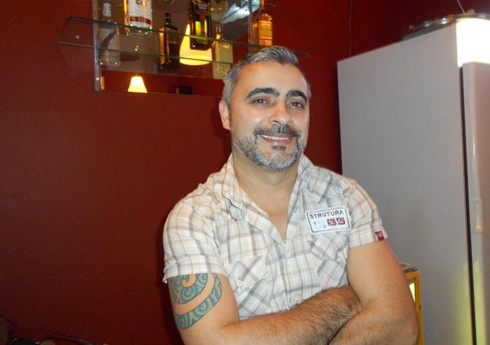 Jonas Viana, do Bar Jonas 570, de Floripa: bares gays