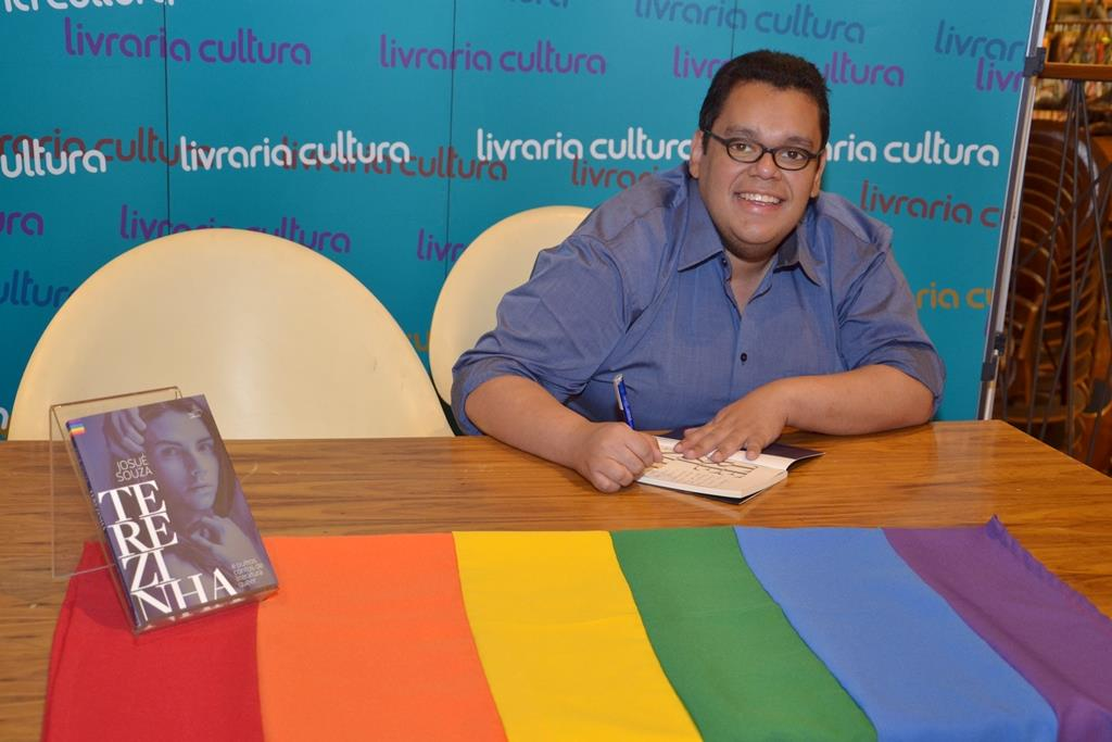 Terezinha e outros contos de literatura queer de Josué Souza