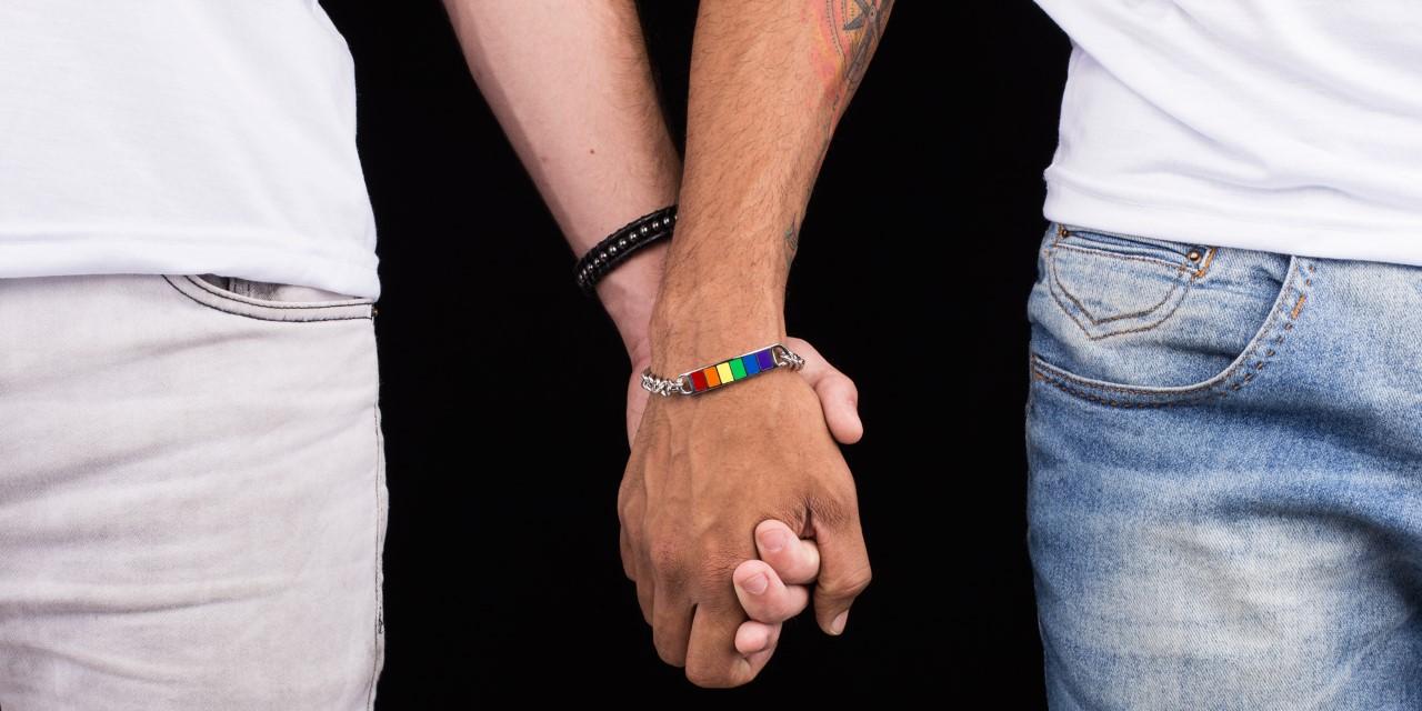 Logay: loja online vende produtos, roupas, canecas, pulseiras para o orgulho gay e LGBT