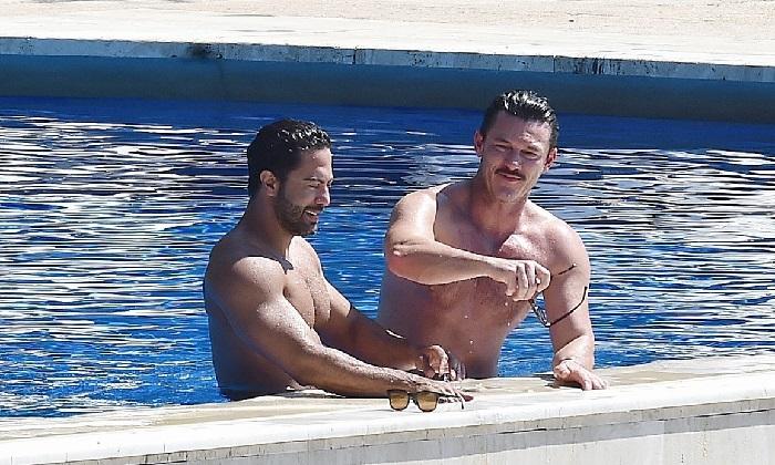 Luke Evans e Victor Turpin: atores gays estariam namorando