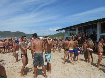 praia mole gay