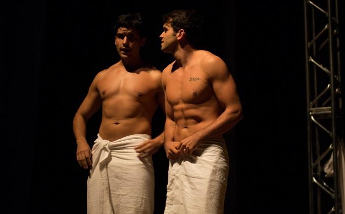 Os Rapazes da Rua Augusta: peça gay com Kainan Ferraz e Bruno Alba volta aos palcos de BH