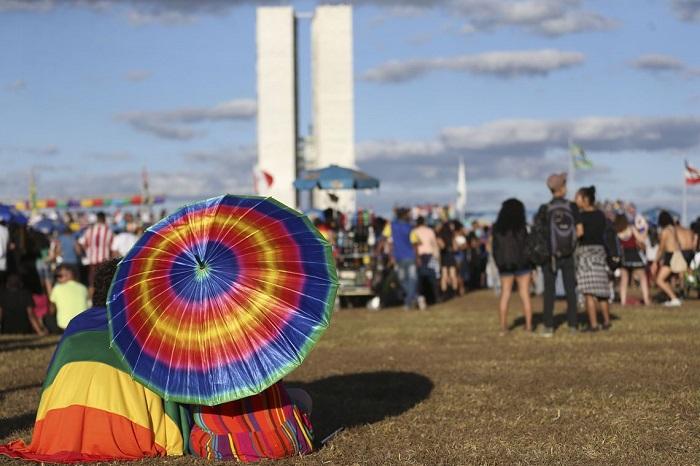 pesquisa paradas lgbt brasil vozes arco-íris welton trindade