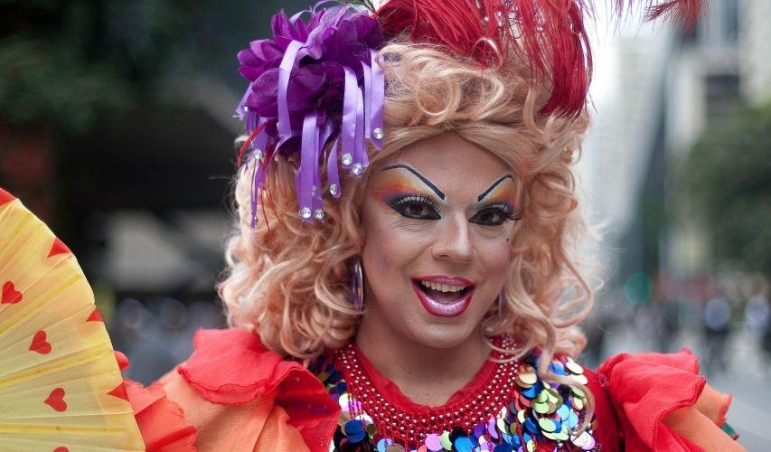 Rainha Tchaka Drag Queen indica seus lugares favoritos ao Guia Gay São Paulo