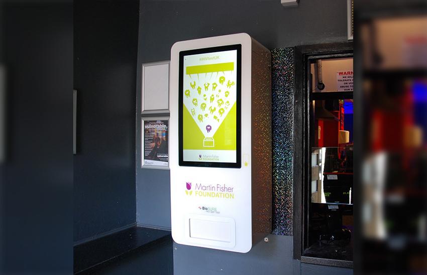 Sauna gay na Inglaterra tem máquina com testes de HIV gratuitos
